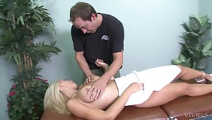 Massage therapist could not keep his hands of Jessica Lynn's boobs