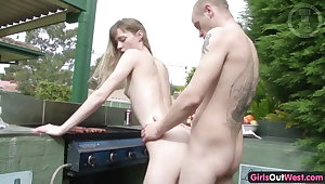 Naughty skinny amateur chick fucked on a broil
