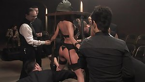 BDSM. Cecilia Vega in hammer away Armory