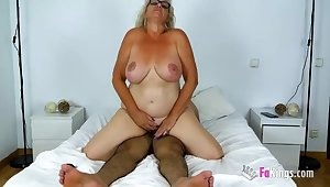 Old Busty Spanish Granny - mature apropos chubby naturals rides dick