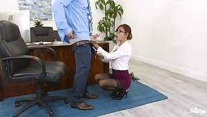 Redhead boss Jade Jantzen at hand stockings drops on her knees be advisable for a fat blarney