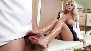 Kayla Kayden comes to acquire a rub-down barring gets her pussy drilled