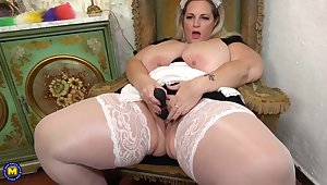 Sophia Lola is a fat, blonde maid who is using everlastingly single stint to masturbate a bit