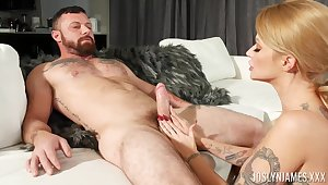 Sensual cunnilingus turns tattooed kirmess MILF Joslyn James out of reach of for wilder sex